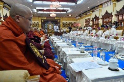 Myanmar-va-monks.jpg