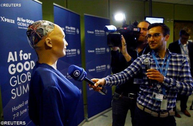 REUTERS2197772_robot.jpg