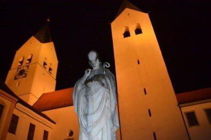 Freising-church.jpg