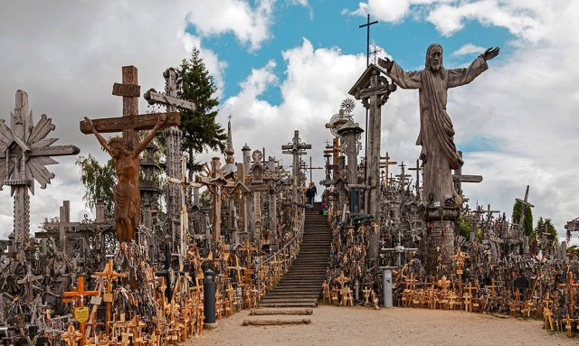 hill-of-crosses.jpg