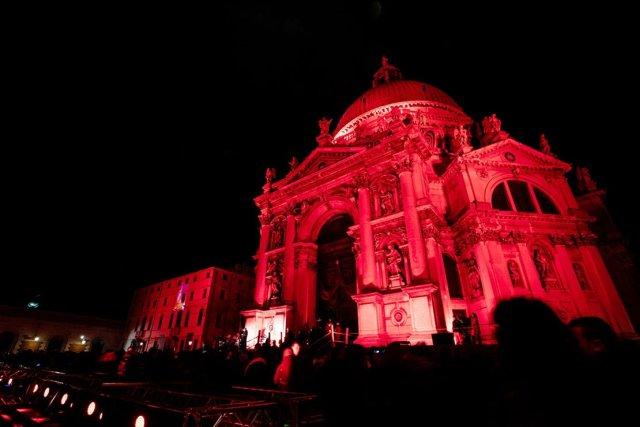 Venice-red.jpg