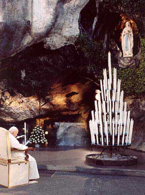 z_pope-john-paul-ii-at-lourdes.jpg